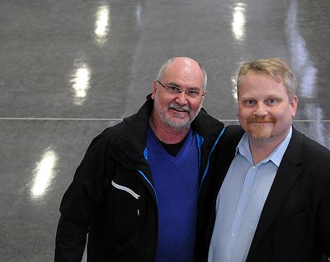 Lärare Klaus Sobieski och Ulf Bergström, verksamhetschef för gymnasieskolan i Landskrona tror att utbildningarna på varvsområdet åter kommer att bli en väg till ett bra jobb.