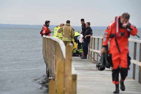 Det var vid den provisoriska bryggan vid före detta kallbadhuset som kvinnans rollator upptäcktes och en person slog larm. Foto: André Tajti / at-foto.se
