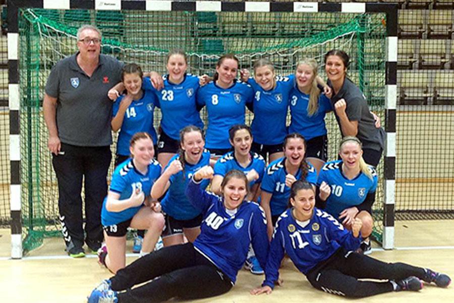 Stor glädje när GW Landskronas flickor A tog sig vidare i USM. Foto: Privat.