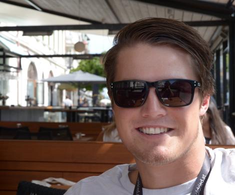 Alexander Köll valde att tävla för Sverige istället för Österrike som en hyllning till sin mammas barndomsstad, Landskrona. Idag är han landets bästa störtloppsåkare (!).