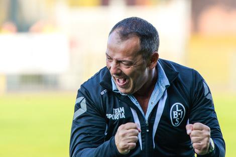 Zvezdan Milosevic blir såhär glad mär BoIS gör 2-1. Foto: Ulf Bjarke, Foto261.se.