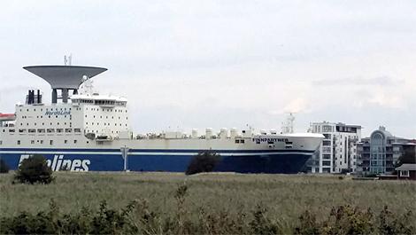 I lördags anlände M/V Finnpartner till Landskrona Hamn och Oresund Heavy Industries. Foto: Privat