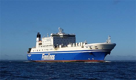 På söndagen lämnade M/V Finnpartner varvet i Landskrona och hennes systerfartyg, M/V Finntrader (bilden) tog hennes plats.