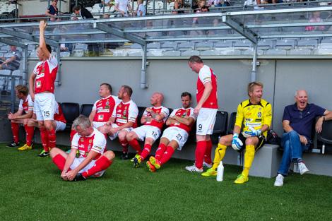 .. och bortlaget gör detsamma Foto Ulf Bjarke