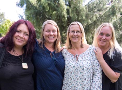 Anna Carlströmer, Emma Viberg, Linda Callmer och Linda Persson är nyanställda i församlingen och kommer att arbeta med barn- och familjeverksamhet. Foto: Hjördis Thelander
