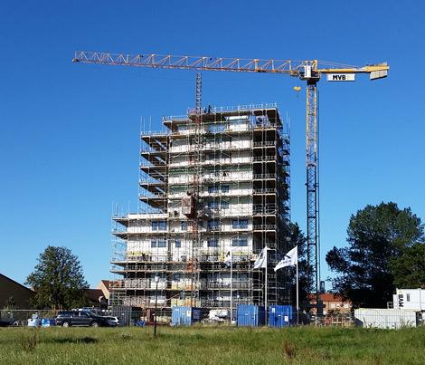 Nu är samtliga våningsplan på plats på Västerpark.