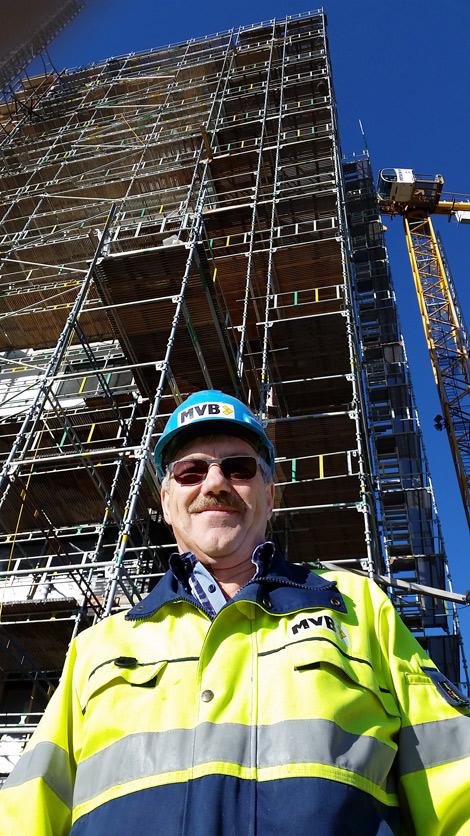 Ingvar Andersson är platschef för bygget på Västerpark och han är övertygad om att tidsplanerna håller så att äldreboendet kan flytta in den 1 april.