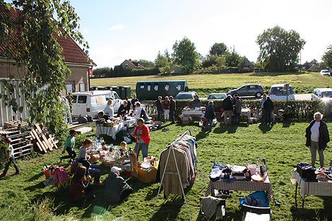 I lördags arrangerades en loppis till förmån för Läkare utan gränser på Ven. Foto: Eva Pettersson.