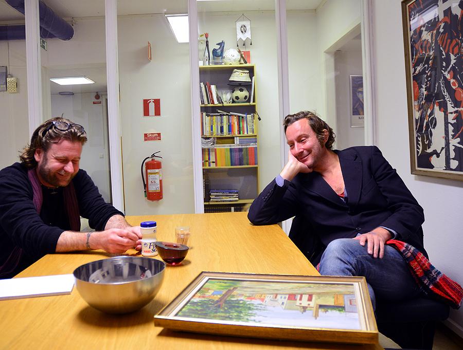 Thomas H Johnsson och Jonas Bergh ser åter ut att trivas i varandras närvaro.