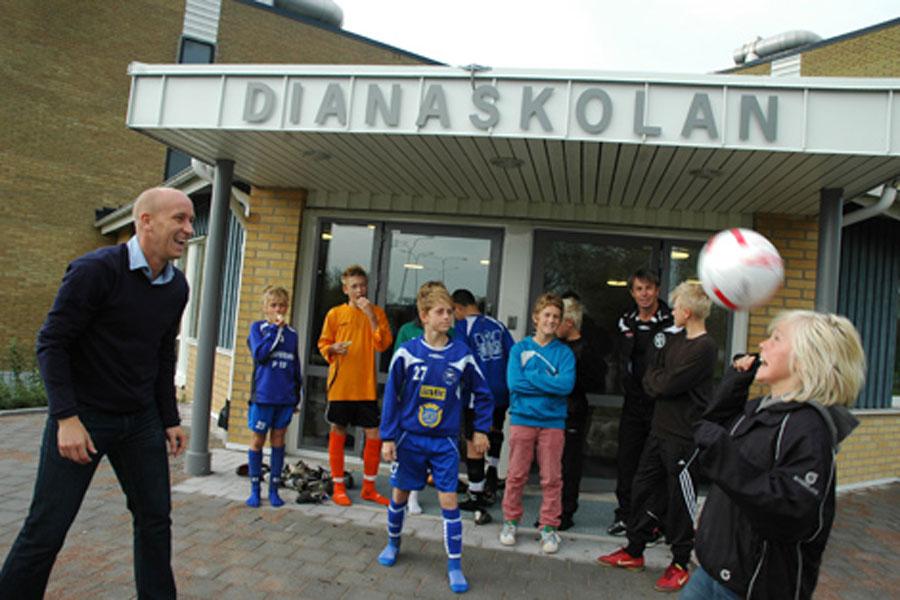 Sveriges första friskola som var helägd av en elitfotbollsförening invigdes offeciellt i september 2008, då under namnet Dianaskolan. Skolan har sedan kommit att byta namn till BoIS Akademi.