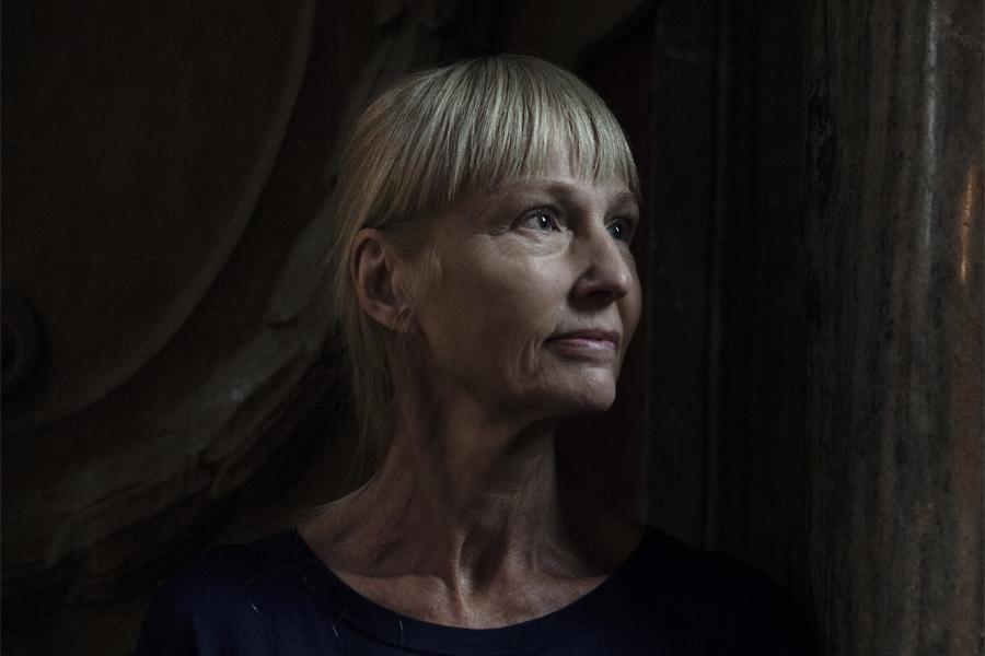 Carola Hansson gästar Landskrona stadsbibliotek den 9 februari. Foto: Sara Mac Key.