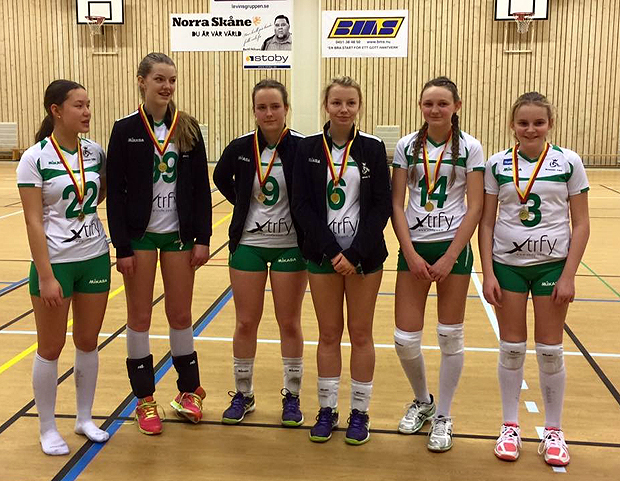 Guldmedaljer även till Julia Söderlindh, Amanda Egvärn, Ebba Norstedt, Iris Carlsson Hagel, Ebba Johannesson och Moa Mellblom.