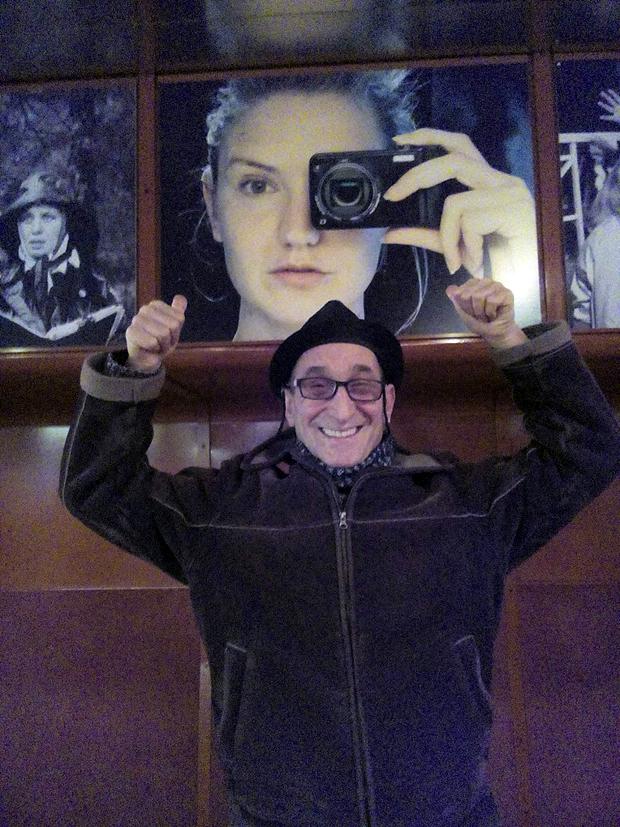 Milan Dragisic blir glad när han ser en bild på Gabriela Pichler i vars kritikerrosade långfilmsdebut Äta, Sova, Dö, Milan spelade den manliga huvudrollen. - Gabriela kommer till Göteborg. Det ska bli riktigt roligt att träffas igen.