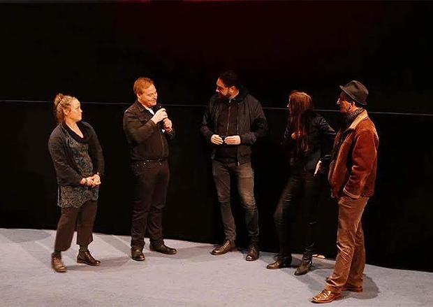 Efter visningen på Svenska Filminstitutet kallades teamet upp på scenen för en snabb presskonferens.
