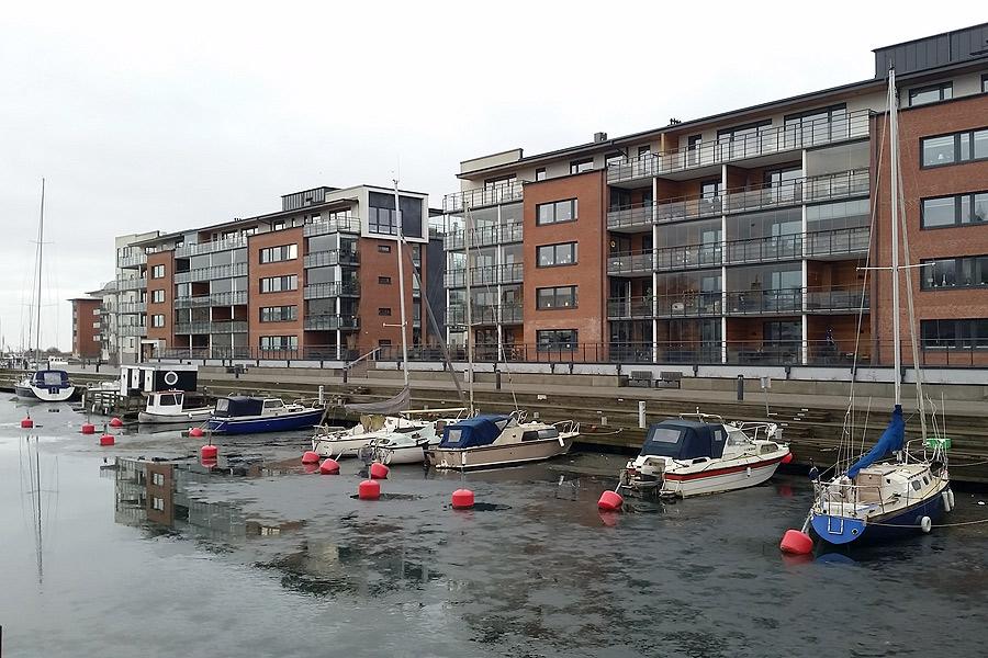Idag är det Landskrona kommun som sköter om uthyrningen av båtplatser i småbåtshamnen Nyhamn men inom det närmaste tar Peter Hartford över.