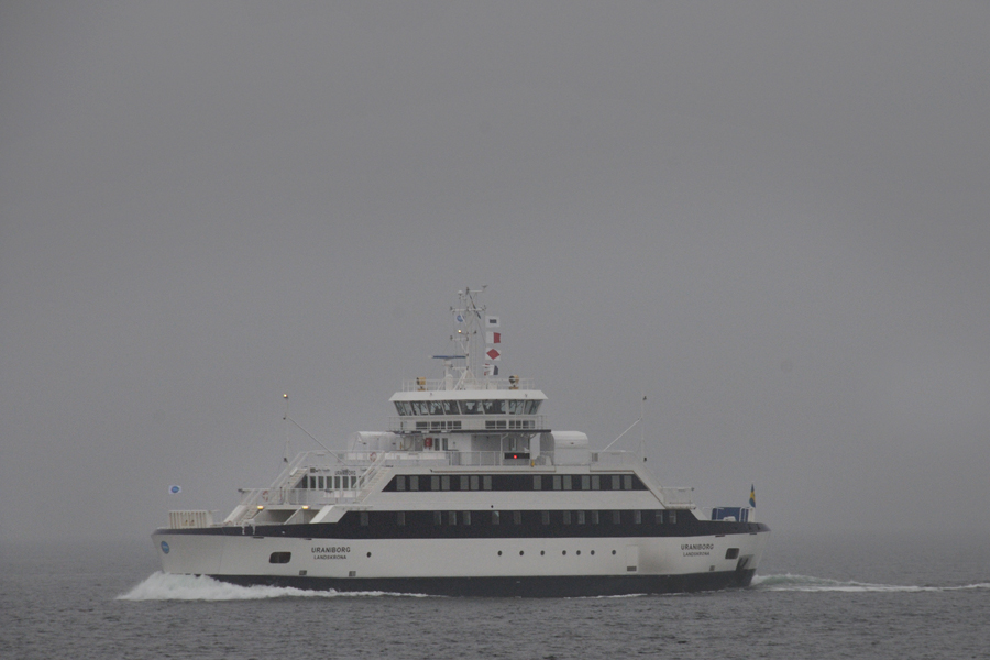 Dimman låg betydligt tätare runt Ven och Öresund i måndags än när denna bild togs på Uraniborg.