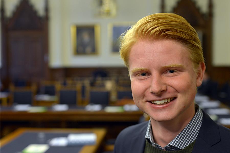 Karl Philip Nilsson (L) sitter i kommunfullmäktige men är också ordförande i LUF Skåne.