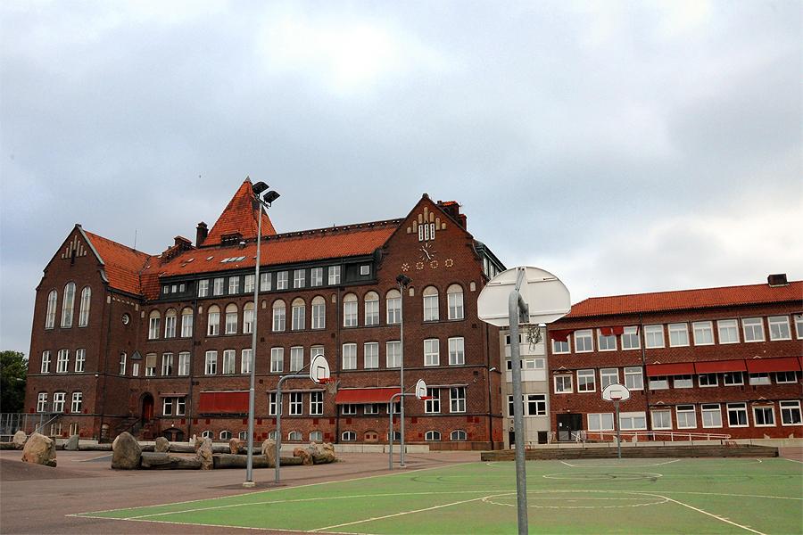 Gymnasieskolan ett slukhål