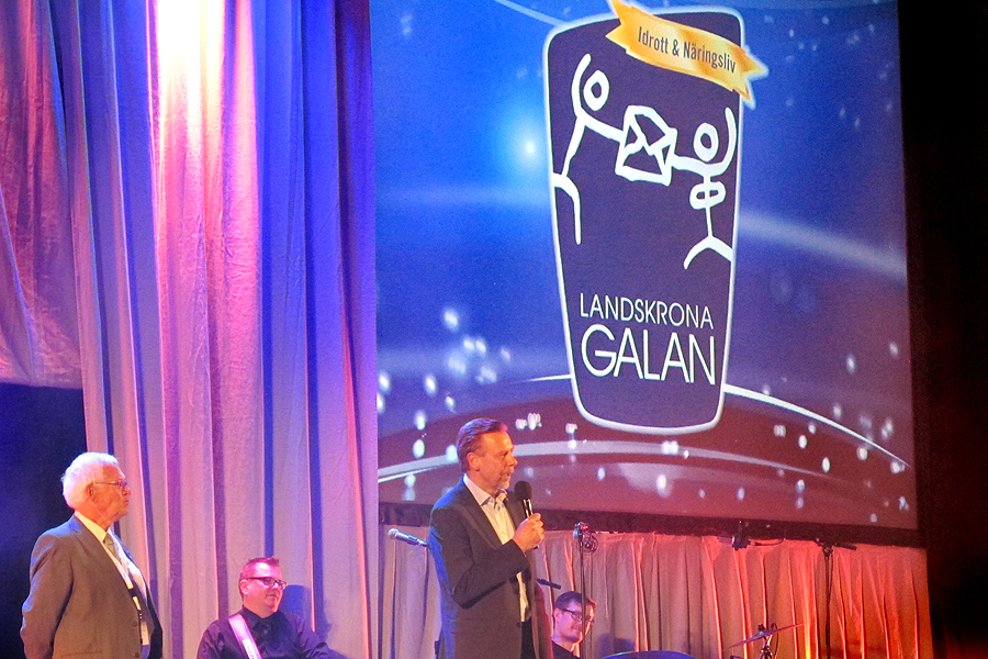 Den 22 april är det åter dags för Landskronagalan. Gunnar Nilsson till vänster och stadsdirektör Stefan Johansson kan göra sig beredda på att åter äntra scenen.