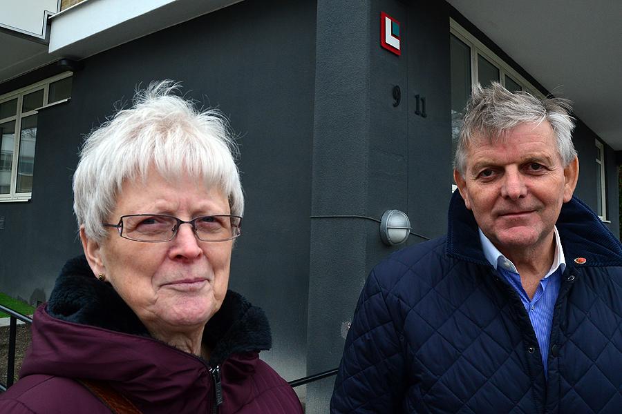 Socialdemokraterna Eva Örtegren och Anders Karlsson är starkt kritiska mot hur det gått till när ordförande Kenneth Håkansson kallat till ett extra styrelsemöte i Landskronahem.