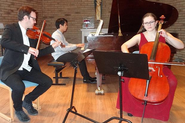 I samband med årsmötet bjöd Trio Lek på en uppskattad konsert.