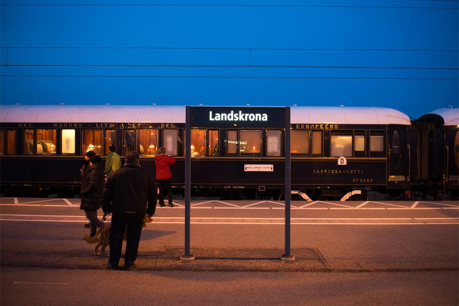Guldkorn för tågentusiaster på stationen