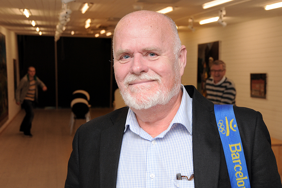 Åke Jönsson har inte bara skrivit en bok om Borstahusen han har varit en i raden av uppskattade föredragshållare på Pumphuset. Här från ett tillfälle när han berättade om OS i Stockholm 1912 och om sitt arbete med en 100-årsjubileumsbok kring detta.