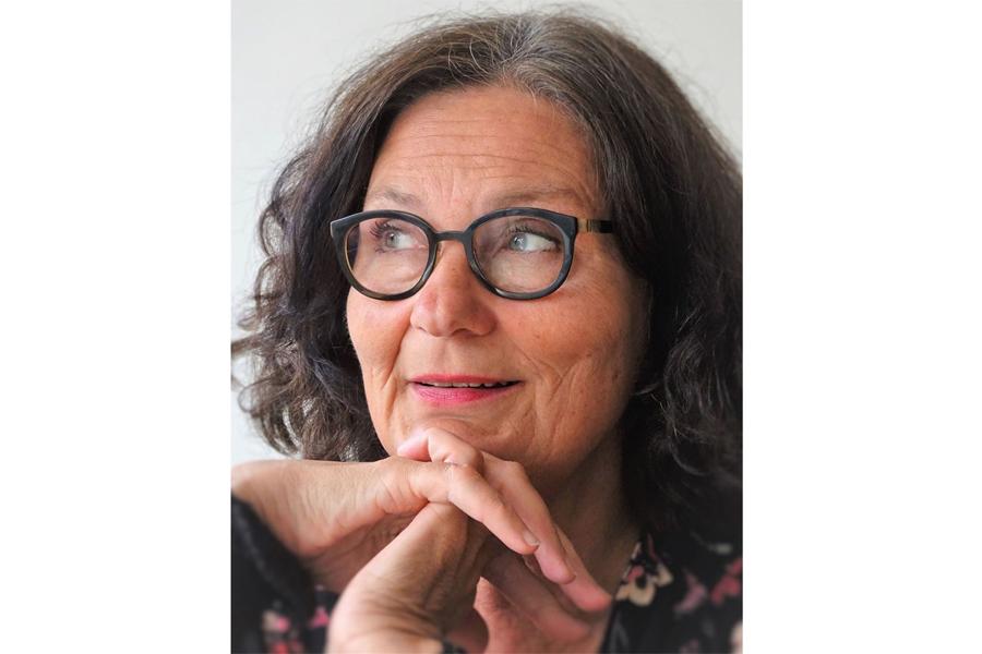 Författarbesök av Ebba Witt Brattström på biblioteket