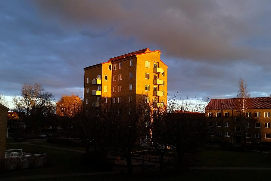 Delade meningar om försäljningen av Sandvången och Pilängen.