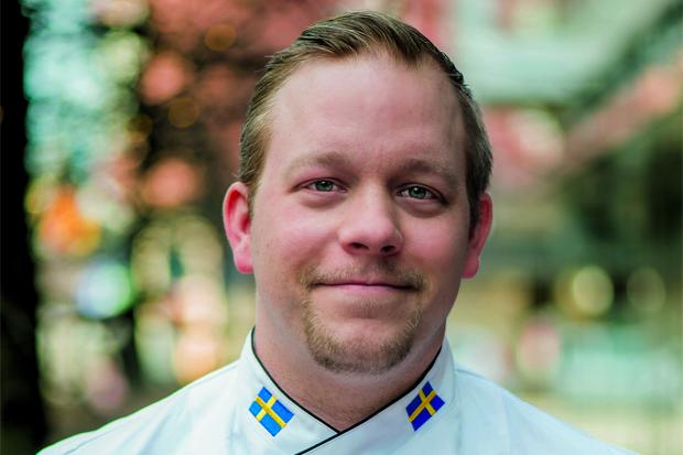 Tomas Helgesson bakar på hemmaplan.