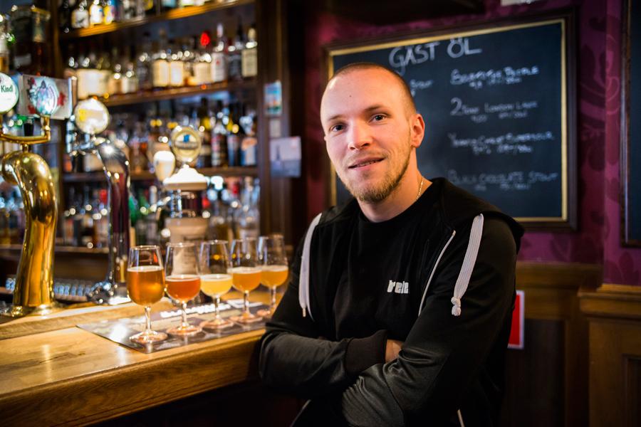 André Ek, en av bryggarna från Brekeriet, fanns på plats hos Speakers Corner och berättade om ölbryggning och öl.