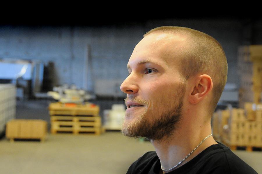 André Ek har en bakgrund som ljudtekniker men har nu sadlat om har hand om produktionen på Brekeriet.