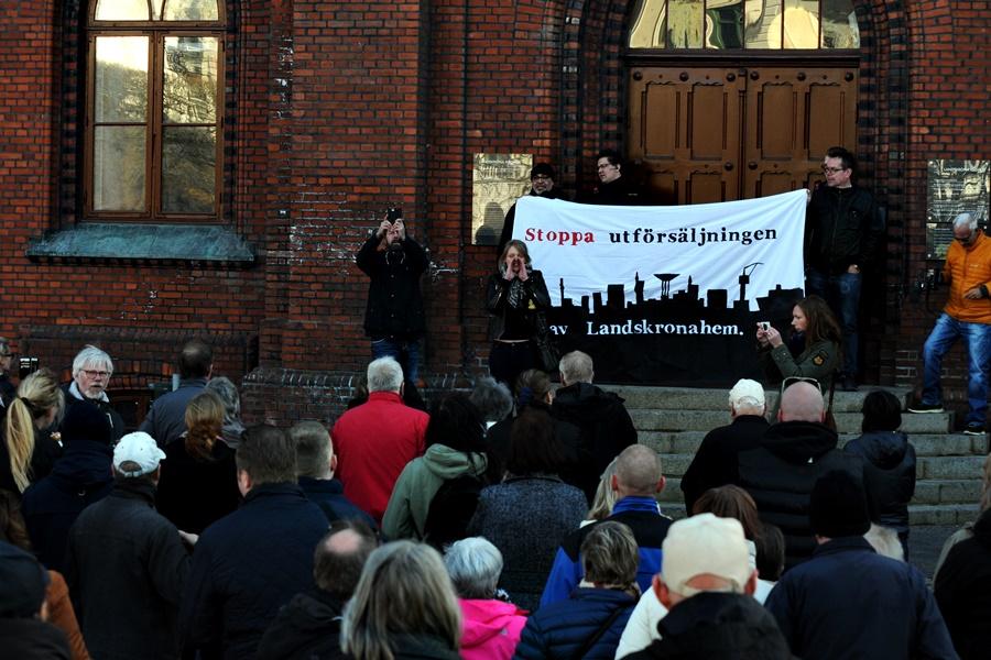 Demonstration mot bostadsaffären