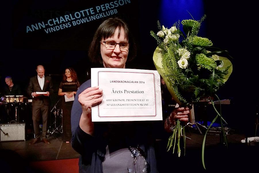 Känslosamt var det också när Ann-Charlotte Persson fick motta utmärkelsen för årets prestation