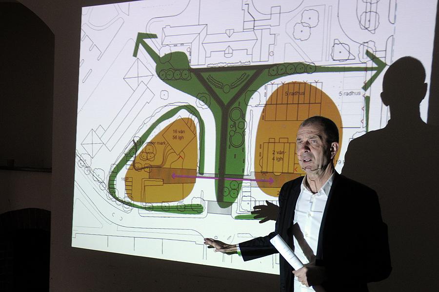 Arkitekt Mats White berättar om planerna för området.