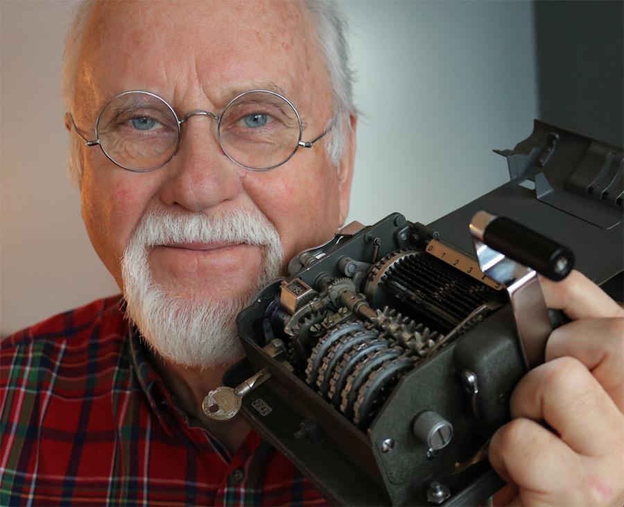 Sixten Svensson har under fem års tid om forskat relationerna mellan NSA och Boris Hagelin som utvecklades till ett spioneri av industriell omfattning. Under sitt yrkesverksamma liv har arbetat för medier av olika slag, kvällspress, veckopress och TV. 1978 blev han nyhetschef för SVT Syd men lämnade det för en kort period som chefredaktör på Allers.  Han återvände till tv-mediet som frilansare och genom ett eget produktionsbolag skapades många populära program.