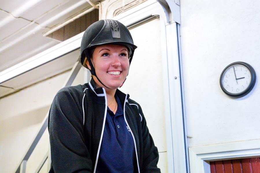 Johanna Lindahl gillar verkligen ridpassen. Foto: Ulf Bjarke – Foto261.se