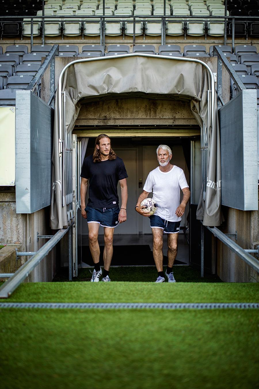 Jonas Olsson och Claes Cronqvist gör reklam för Frank Dandy.