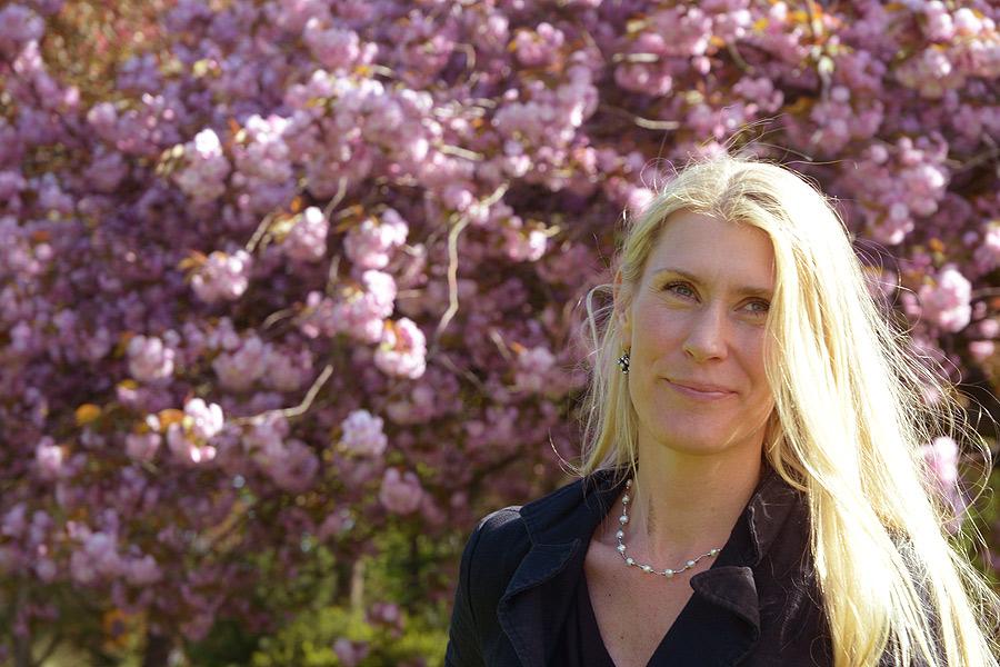 Linda Lundqvist kommer att vara den som styr och ställer under de två allsångskvällarna.