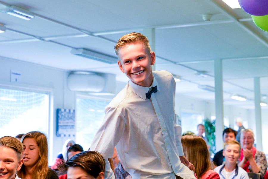 Såhär glad blev Caspar Hansson när han kallades fram för att ta emot stipendium. Foto: Ulf Bjarke, Foto261.se