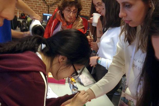 BILDEXTRA – Ungdomar på stor miljökonferens