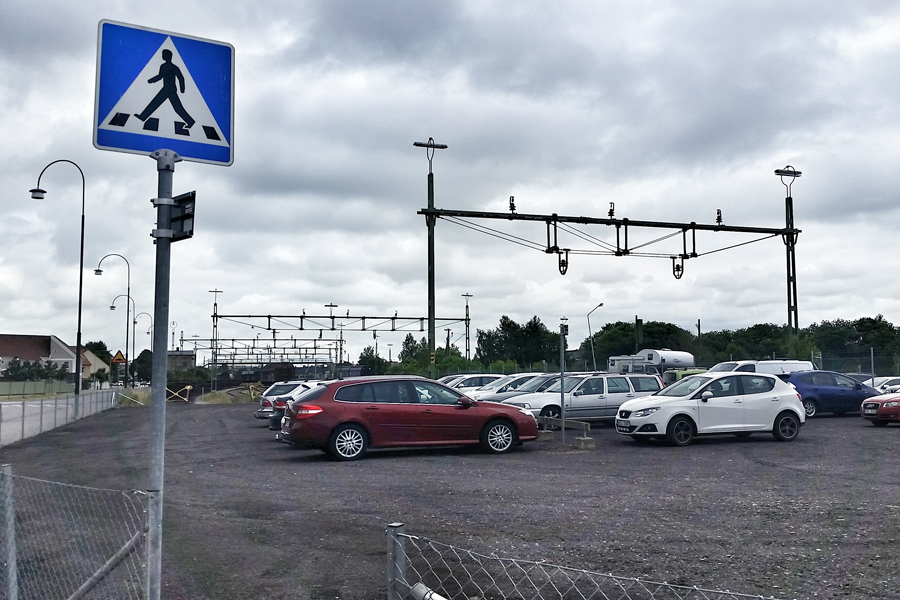En nya parkeringsplats har skapats vid Kolgatan alldeles över gatan från Venterminalen sett. 48- timmars parkeringen är dessutom avgiftsfri.