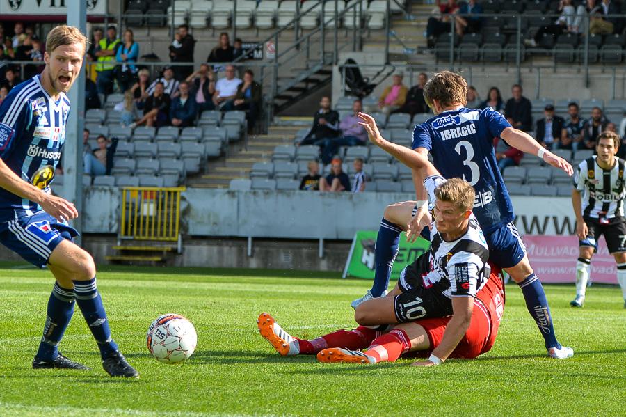 Erik Pärsson hade ett flertal chanser att göra mål mot Husqvarna men det ville sig inte idag. Foto: Ulf Bjarke, Foto261.se