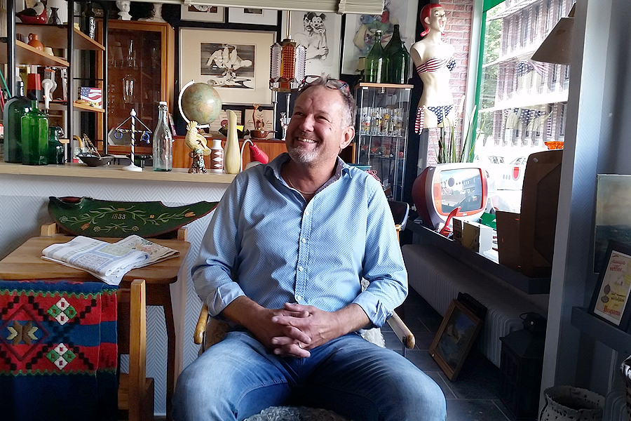 Tommy Persson har varit allt från slöjdlärare och pressbyråägare till caféägare. Nu tar han nya tag och öppnar en antik- och kuriosabutik i centrala Landskrona.