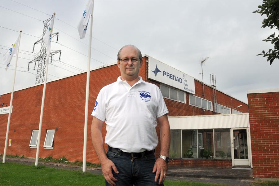 Mats Cedervall är avdelningschef för Prenad i Landskrona och han söker med ljus och lykta efter medarbetare och nya större lokaler.