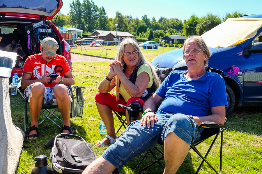 Adam, Pia och Stefan Jakobsson njöt i solen. Foto: Ulf Bjarke – Foto261.se
