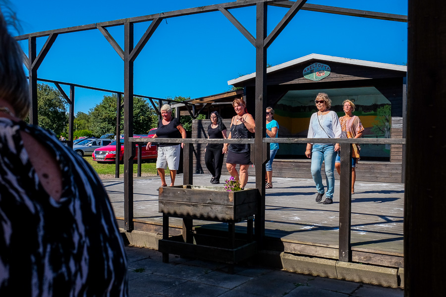 Uppvisning av line-dance. Foto: Ulf Bjarke – Foto261.se