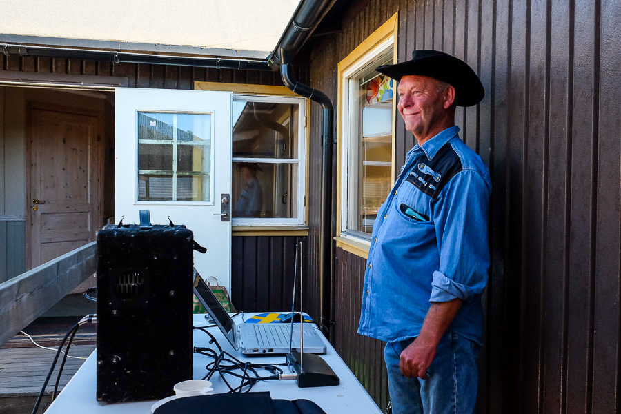 Bosse Johansson serverade westernmusik till dansarna. Foto: Ulf Bjarke – Foto261.se