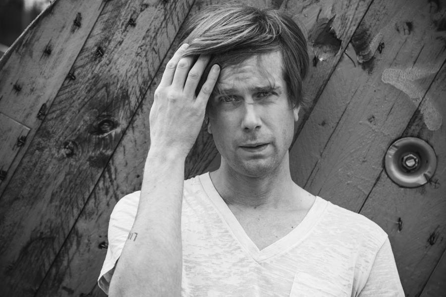 Timo Räisänen sjunger Ted Gärdestad.