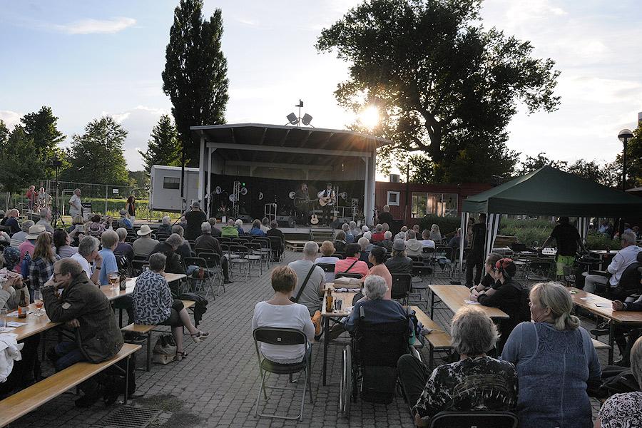 När Jack Wreeswijk gick upp på scenen på fredagskvällen var det som mest folk. Det var dock långt ifrån fullsatt.